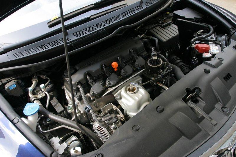 студен двигател